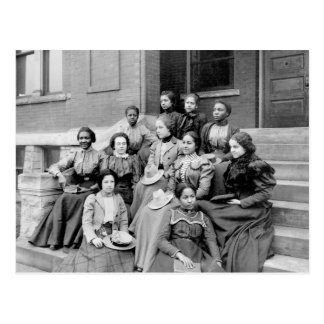 Señoras jovenes en Fisk, 1890s Tarjeta Postal