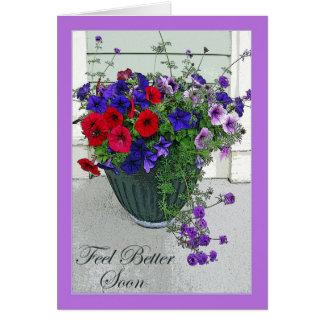 Sensación mejor pronto, centro de flores, petunias tarjeta de felicitación