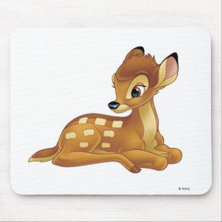 Sentada de Bambi Alfombrillas De Raton