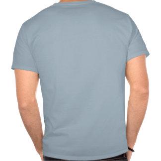 Señuelo negro de la pesca con mosca de Camo Camisetas