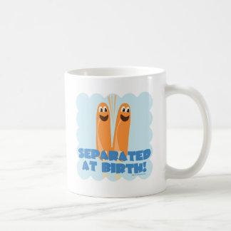Separado en el nacimiento taza de café