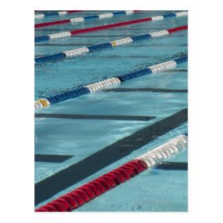 Separadores plásticos en crear de la piscina tarjeta postal