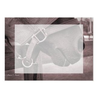 Sepia con tirante y espalda descubierta de la invitación 12,7 x 17,8 cm