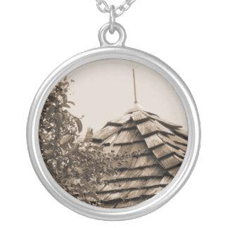 Sepia de madera del árbol del cielo de la cúpula d collar plateado
