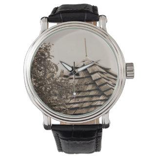 Sepia de madera del árbol del cielo de la cúpula reloj de mano