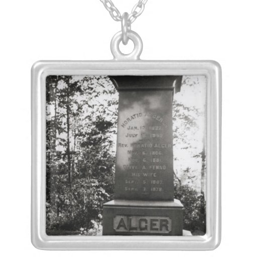 Sepulcro de Horatio Alger en Natick, Massachusetts Colgante Cuadrado