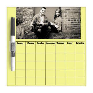 Seque el calendario del tablero del borrado pizarra