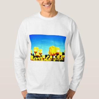Sera plateau farm of a certain day* Yellow tulip T-Shirt