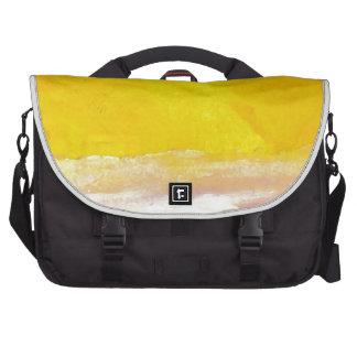 Serenata de las ondas amarillas claras del mar del bolsas para ordenador