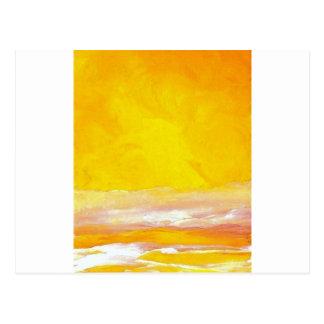 Serenata de las ondas amarillas claras del mar del postal
