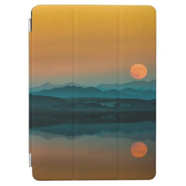Serene Sunrise by the Lake Artwork   iPad Air Case