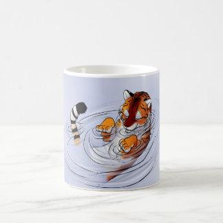 Serenidad anaranjada del tigre taza de café