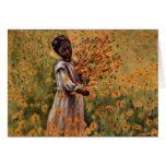 Serenidad - chica joven en el campo de flores tarjeta