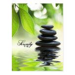 Serenidad - roca apilada del zen postal