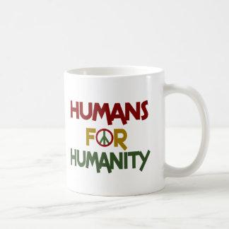 Seres humanos para el personalizado de la taza básica blanca