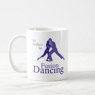 Sería bastante baile de la fusión tazas de café