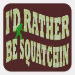 Sería bastante camo verde de Squatchin Pegatinas Cuadradas