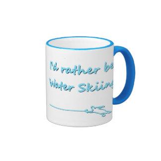Sería bastante taza del esquí acuático