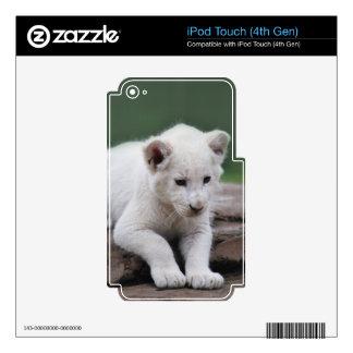 Serie blanca del cachorro de león del bebé skins para iPod touch 4G