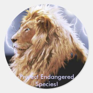 Serie en peligro león africano de la especie pegatina redonda