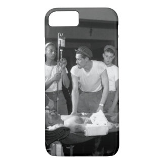 Seriously wounded soldier of the 116th_War Image iPhone 8/7 Case