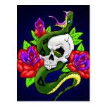 Serpiente, cráneo y rosas tarjetas postales