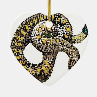 serpiente de cascabel-bedazzled adorno de cerámica en forma de corazón