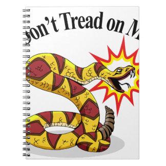 Serpiente de cascabel de la fiesta del té cuadernos