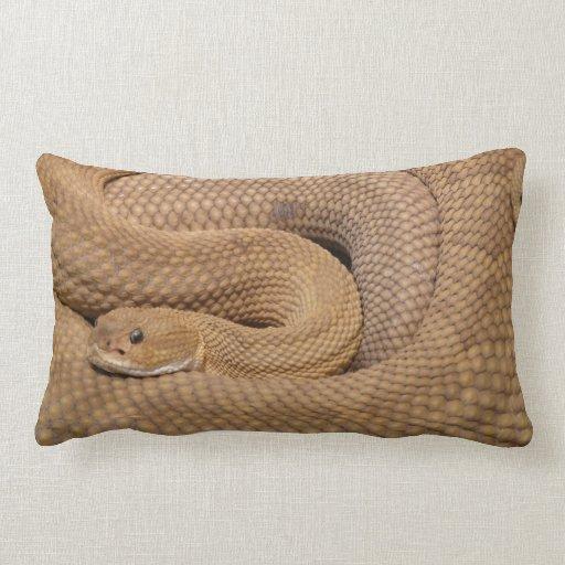 Serpiente de cascabel del basilisco cojin
