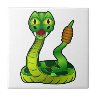 Serpiente de cascabel del dibujo animado azulejos