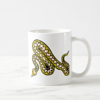 Serpiente de Diamondback Taza Clásica
