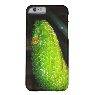 Serpiente de la víbora del hoyo de Stejneger verde Funda Para iPhone 6 Barely There
