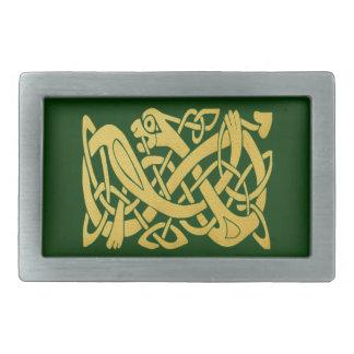 Serpiente de oro céltica en la hebilla del hebillas cinturon rectangulares