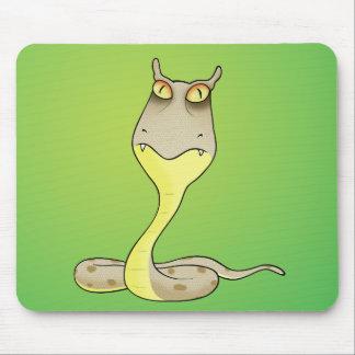 serpiente divertida del desierto alfombrilla de raton