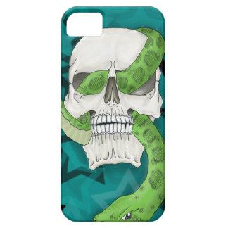 Serpiente en cráneo iPhone 5 Case-Mate protector