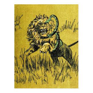 Serpiente que lucha del león postal