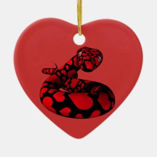 Serpiente roja con los corazones ornaments para arbol de navidad
