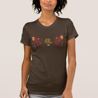 Serpiente roja del dragón camisetas