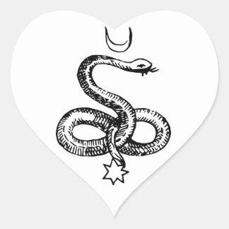 Serpiente - símbolos paganos pegatina en forma de corazón