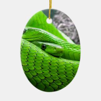 Serpiente verde adorno ovalado de cerámica
