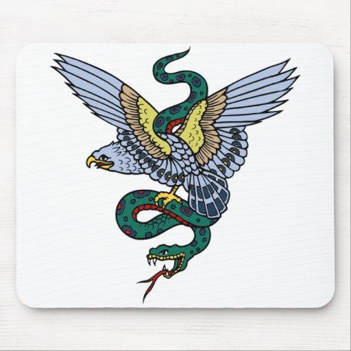 Serpiente y Eagle Tapetes De Ratones