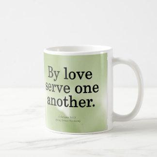 Servicio cariñoso Galatians 5-13 Tazas De Café
