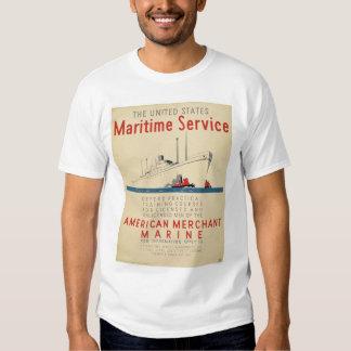 Servicio marítimo - nave grande con los playeras