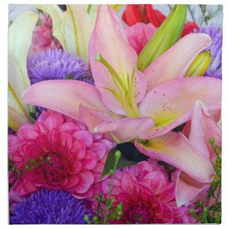 Servilleta rosada del paño de las flores del lirio