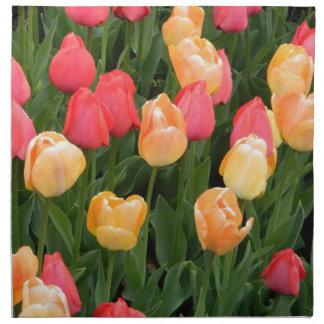 Servilletas de los tulipanes (rojo y oro)