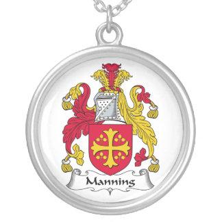 Servir el escudo de la familia colgante redondo