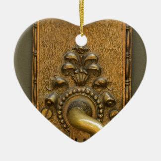 Sésamo abierto adorno navideño de cerámica en forma de corazón