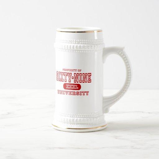 Sesenta y nueve universidades jarra de cerveza