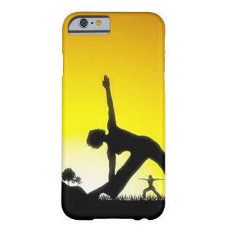 Sesión de Pilates de la yoga hacia fuera en Funda De iPhone 6 Barely There