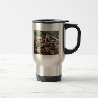 Seta de la morilla a ir taza de café